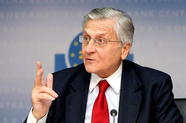 «Απολογείται» ο Τρισέ για τη νομισματική πολιτική της ΕΚΤ