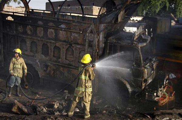 Καμικάζι εμβόλισε αστυνομικό λεωφορείο