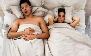 Μέρες ύπνου χαμένες λόγω ροχαλητού!