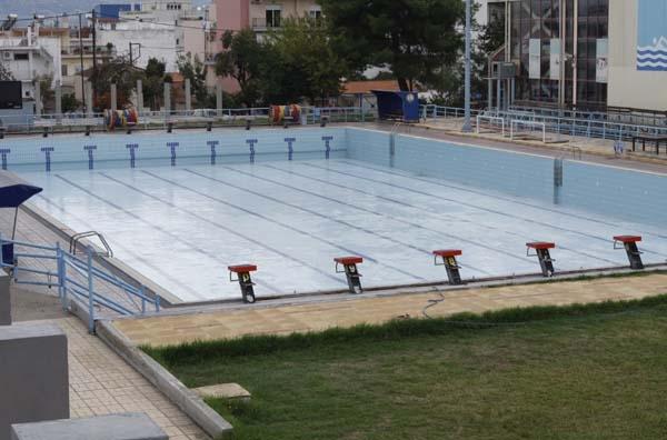 Ανοίγει η «κλειστή» πισίνα του ΕΑΚ