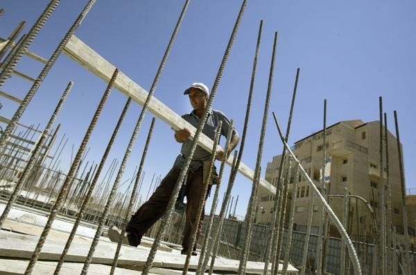 Ανατιμήσεις 2,5% στα οικοδομικά υλικά