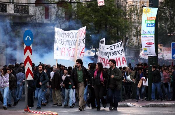Κλεφτοπόλεμος και επεισόδια στην Αθήνα