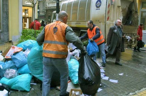 Περίπου 350 τόνοι σκουπιδιών στο Βόλο
