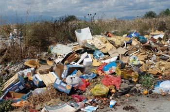 Τα σκουπίδια πνίγουν τον «Καλλικράτειο» Αλμυρό