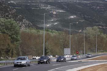 Από παρακαμπτήριες η κυκλοφορία στα Τέμπη
